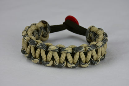 od green desert sand foliage camouflage and desert sand paracord bracelet unity band with red button in the back, picture of an od green desert sand foliage camouflage desert sand paracord bracelet unity band with red button fastener in the back on a white background