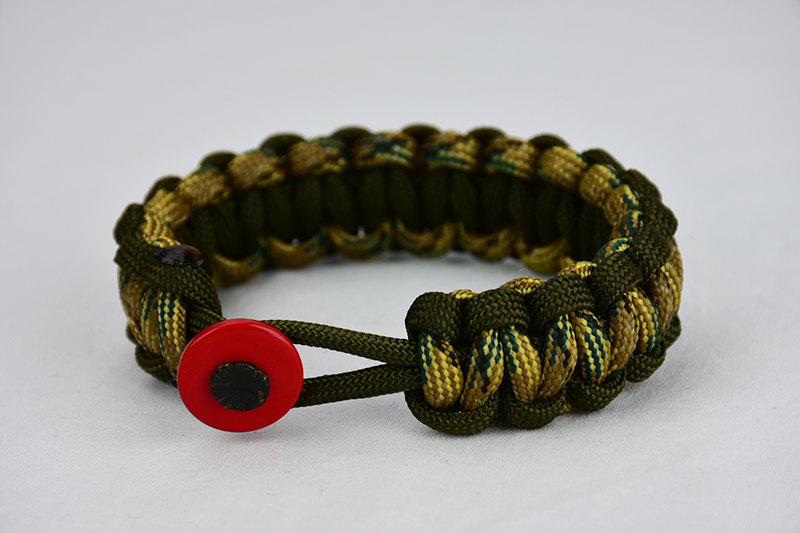 od green od green multicam camouflage paracord bracelet unity band with red button front, picture of an od green od green multicam camouflage paracord bracelet unity band with red button fastener in the front on a white background