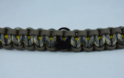 yellow tan and desert sand foliage camouflage pow mia support paracord bracelet with black ribbon center
